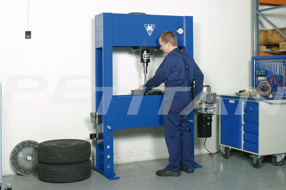 AC Hydraulic P60EH2 prés 2